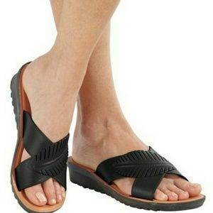 NWT Palm Leather Slide Sandal in 3Color Choices